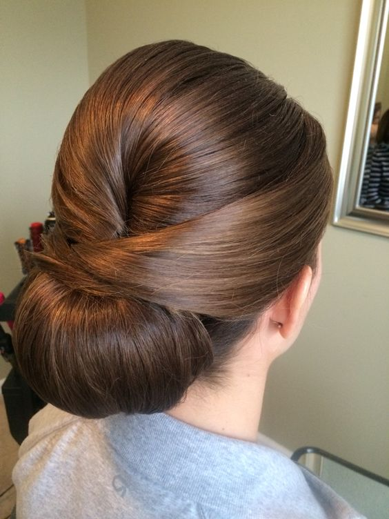 Updos For Short Hair That Will Increase The Beauty Values of Yours updos_short_hair_a-la_ballerina_style_2