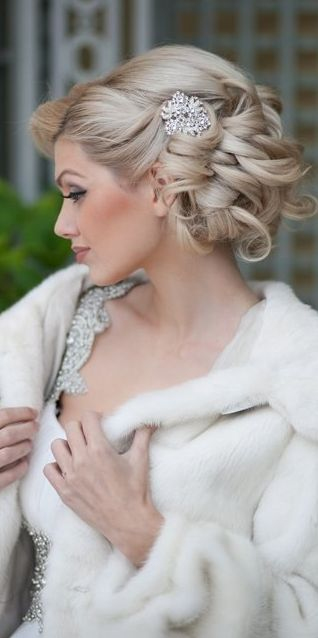 Updos For Short Hair That Will Increase The Beauty Values of Yours updos_short_hair_irregular_hairpin_3