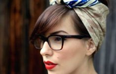 Choosing The Best Short Hairstyles For Women Bandanna_Headband_Hairstyles_Ideas_5-235x150