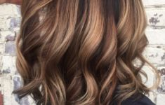The Best Hairstyles for Your Curly hair Best_Curly_Hairstyles_Medium_6-235x150