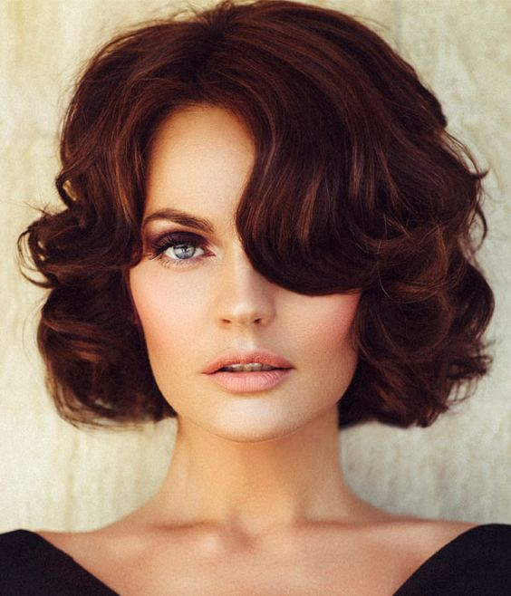 Fantastic Short Hair Style with Vintage Hairstyles