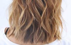 Hairstyles_Formal_Events_Wavy_Hair_5