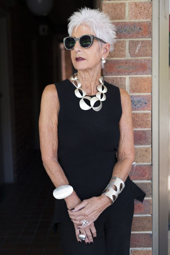 Sensual Fashion For Older Women In The Modern World mature_women_hairstyles_ideas_15-1