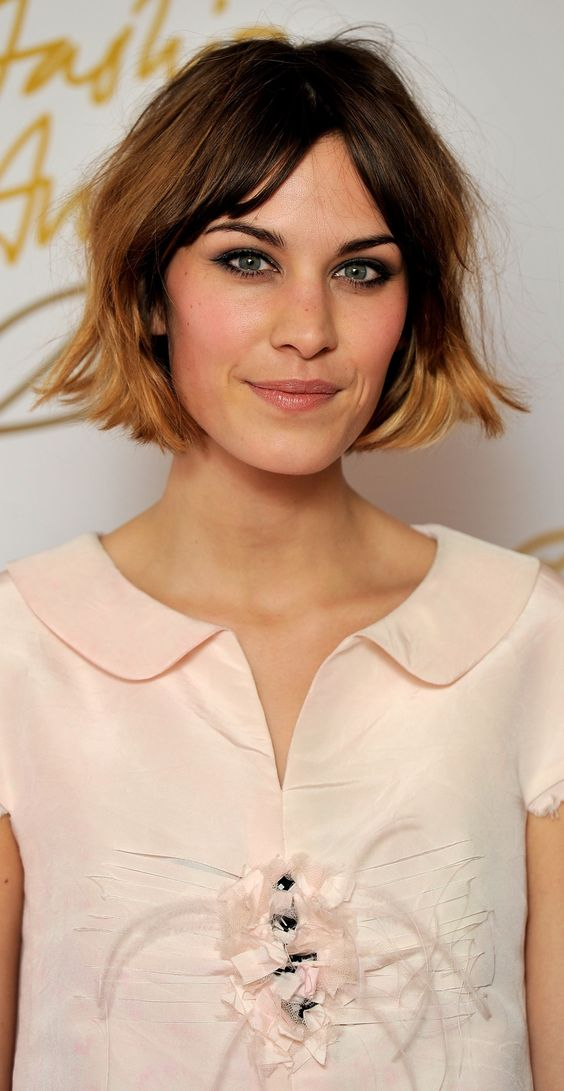 Choosing Hairstyles According To Your Face Shape And Personality oblong_face_shape_hair_ideas_14