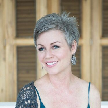 Hairstyles For Gray Hair Without Looking Old older_women_grey_short_hairstyles_5