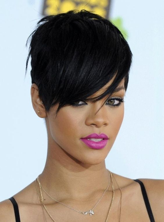 Choosing Hairstyles According To Your Face Shape And Personality oval_face_short_hairstyle_2