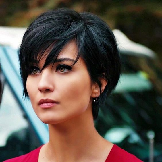 Short Hairstyle And Your Personality short_pixie_hairstyle_7