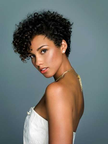 gorgeous modern hairstyle for black women with natural hair