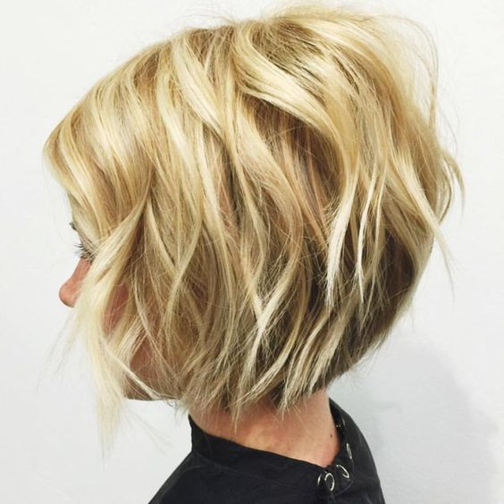 the best blonde hairstyle with highlights