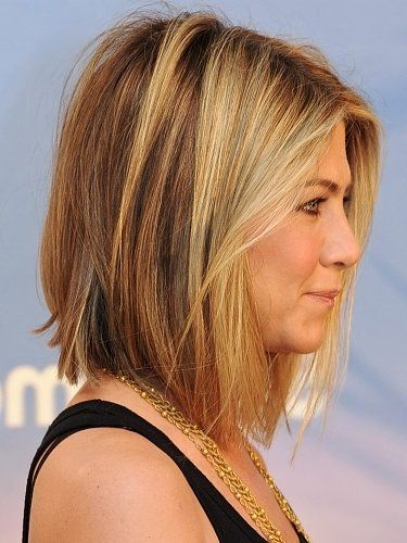 layered bob hairstyle that will change your look in your age