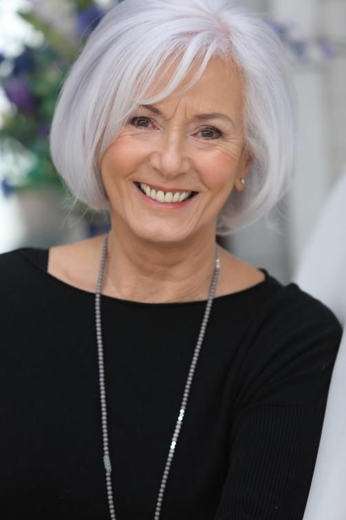 sleek rounded bob hair ideas for older women with gray hair