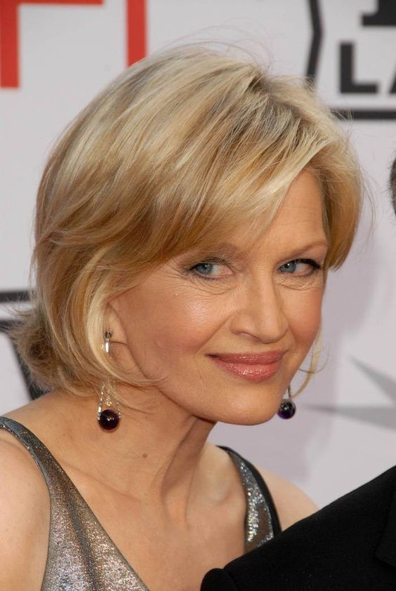 side_parted_blonde_balayage_bob_hairstyles_5 side_parted_blonde_balayage_bob_hairstyles_5