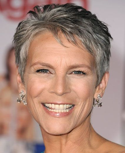 recommended short hairstyles for over 60 women with gray hair