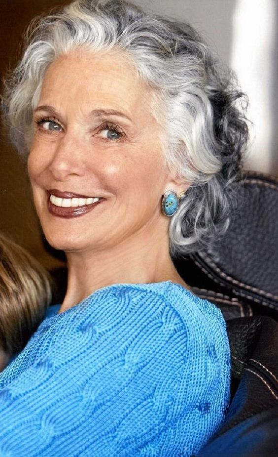 ombre short hairstyles for over 60 women with gray hair