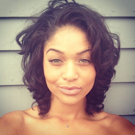 curly bob that fits to any kind of face shapes short-curly-bob-african-american-women-25