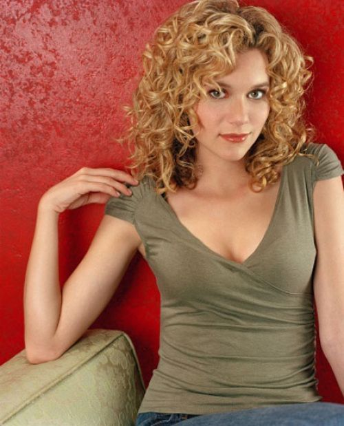 curly_blonde_hair_women_12 curly_blonde_hair_women_12