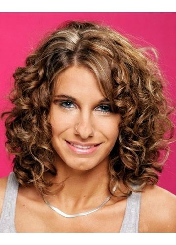 beautiful curly layered hairstyle ideas for older women