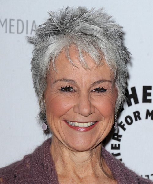 beautiful spiky pixie haircut for older women with gray hair