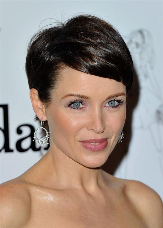 48 Short Hairstyles for Older Women to Look Fresh crop-haircut-for-older-women-with-thin-hair