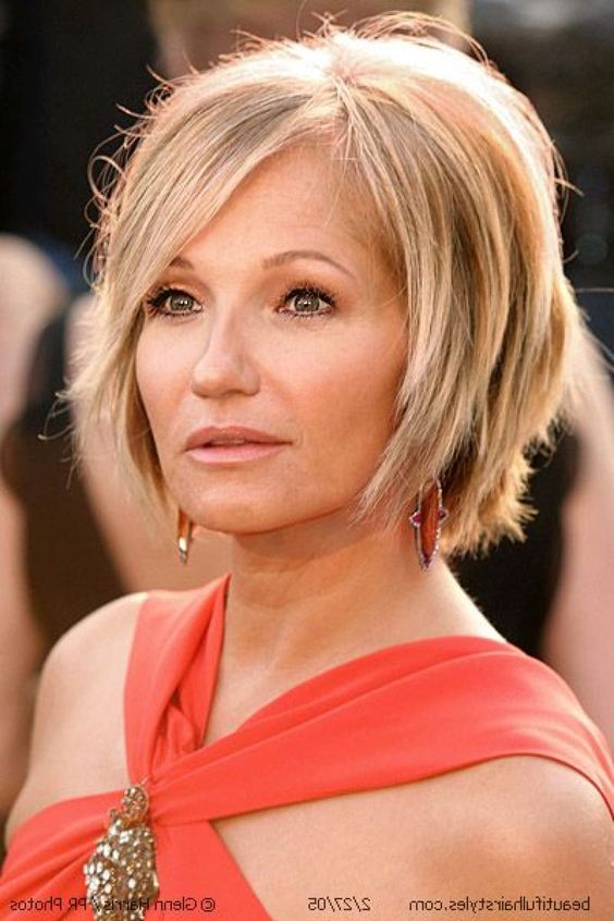 perfect layered bob hairstyle for women over 50