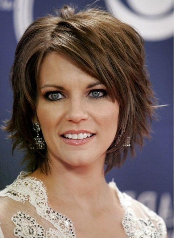 best layered shag hairstyle that older women can try