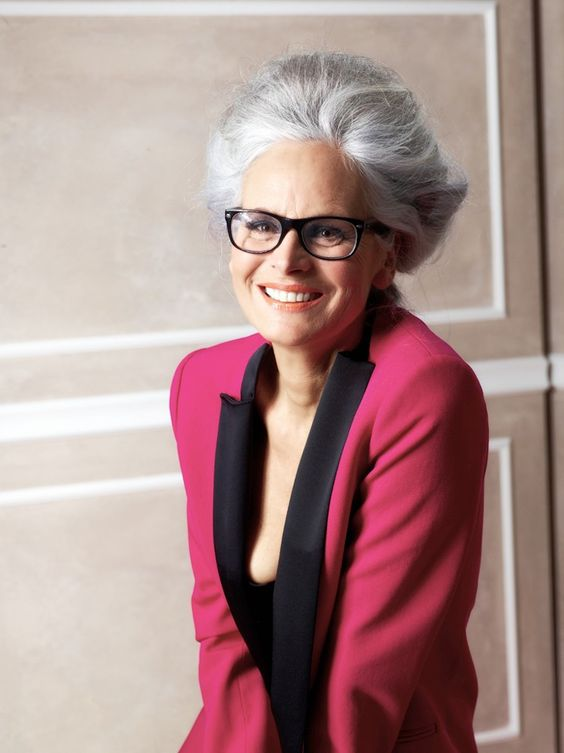 Most Ideal Short Hairstyles for Women over 60 with Glasses