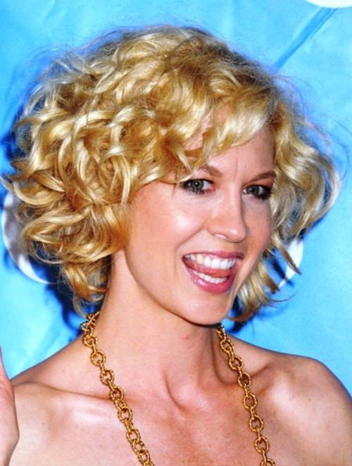 54 Awesome Short Curly Hairstyles for Women over 50 gorgeous-messy-curly-bob-hairstyle-for-over-50-women
