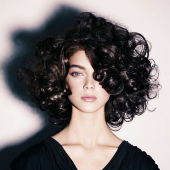 pretty curly bob hairstyle for women with super thick hair