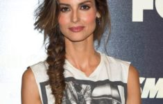 10 Awesome Celebrity Short Hairstyles Over 50 That You Could Try 0976c777de8525166fca8b12f128e54a-235x150