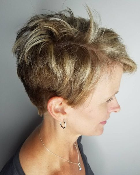 Posh, Pixie-Like Wedge Cut Hairstyle 1 0c4772c66bc889f5b8589ece393887d2