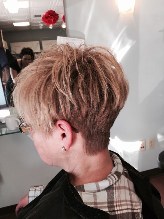 45 Wedge Haircuts for Women Over 50 for Those into Simple and Classic Appearance 1acfdb3c6d55e25a4cab38d4ffcf74b1