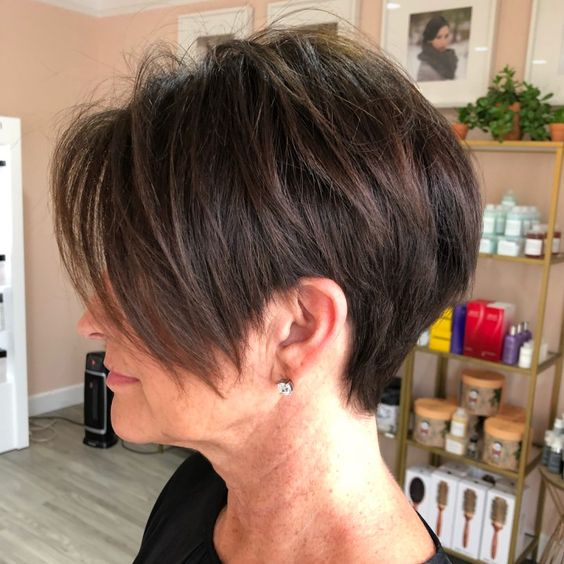 45 Short Hairstyles for Grey Hair and Glasses that Make Older Women Still Looking Stylish choppy_pixie_with_long_side_bangs_hairdo_5
