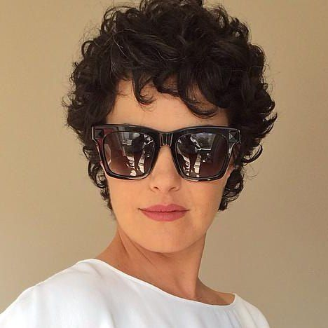 Gorgeous Short, Curly Shag Haircut 4 dc263f000a8dff27df9755655c2f9a81