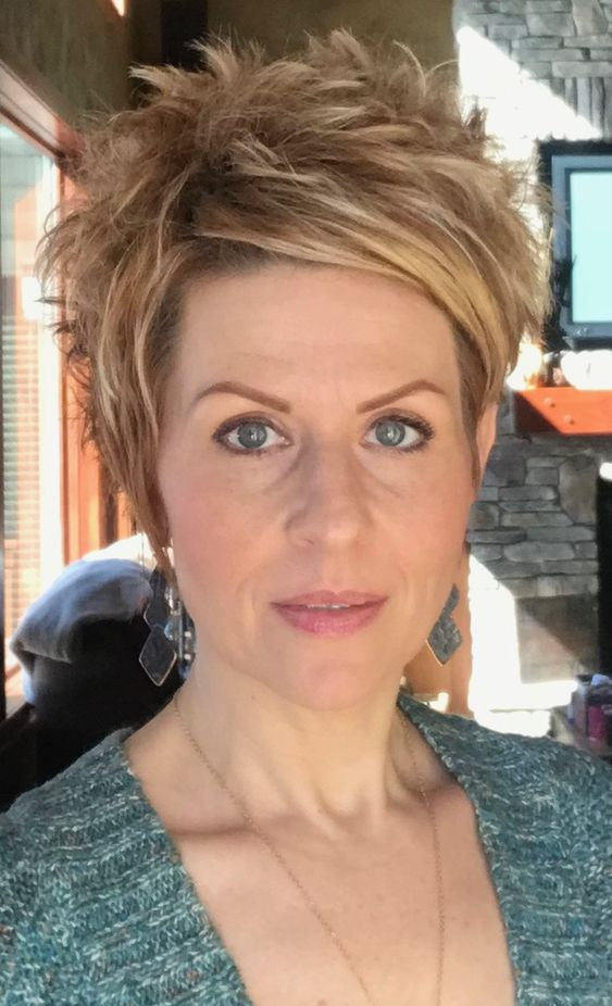 45 Short Shag Haircuts for Women Over 50 for Stylishness with Youthful Appearance e484f130f3d53e77f0b032da6f6c4f8d