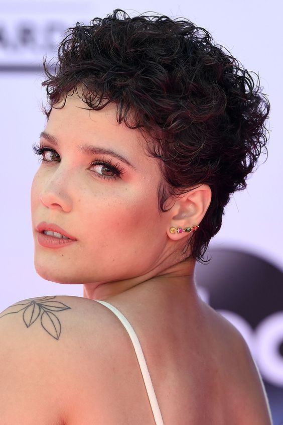 50 Most Gorgeous Short Curly Haircuts for Women over 50 4b9db2091de16ccd9ea6d3bbf546e712