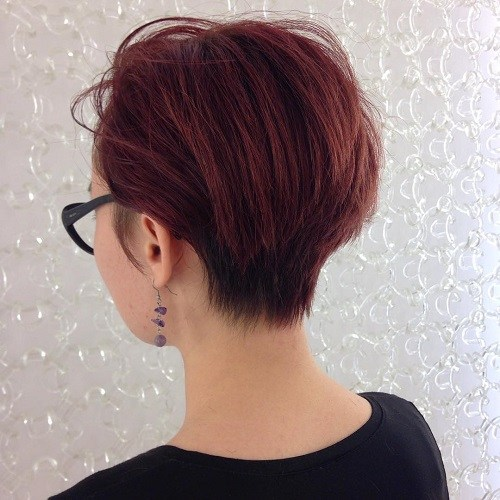 50 Gorgeous Wedge Haircuts for Women over 60 6-short-layered-haircut
