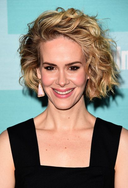 Sarah Paulson Stylish Medium Curly Bob
