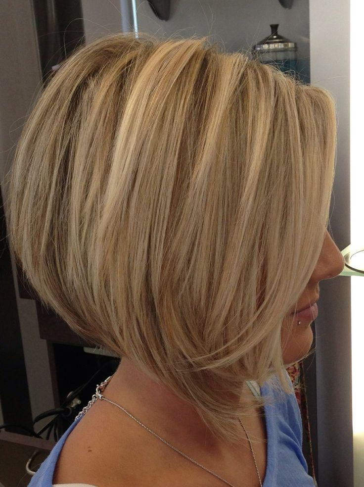 Wedge Bob Straight Short Hairstyle 3