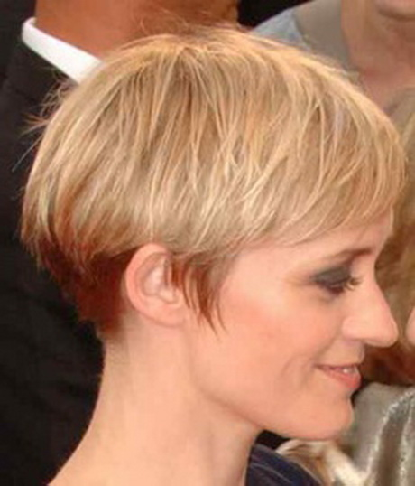50 Most Favorite Short Wedge Haircuts For Women Over 40 short-wedge-haircuts-01