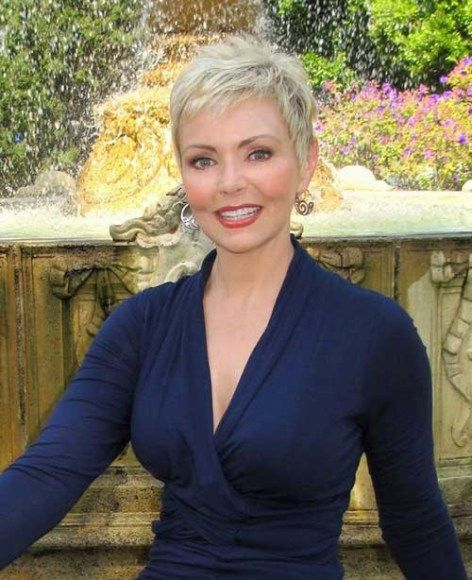 Pixie Haircut Style for Women Over 50 with Fine Hair 4