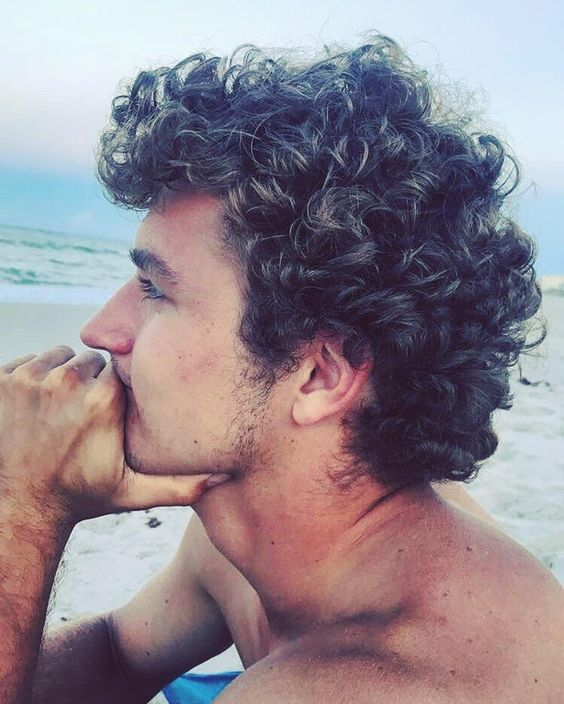 Short & Medium Length Curly Hairstyles for Men Beach-Curl-curly-hairstyles-for-men-6