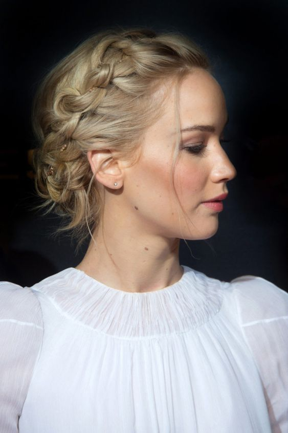 Top 78 Easy Updos for Short Hair to Do Yourself Boho-Twis-easy-updos-for-short-hair-to-do-yourself-5
