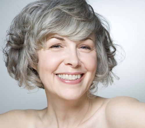 54 Best Women's Hairstyles for over 40 and Overweight Curly-Bob-Hairstyle-for-over-40-and-Overweight-Women-1