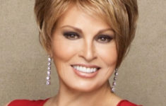 54 Best Women's Hairstyles for over 40 and Overweight Short-Bob-Hairstyle-for-over-40-and-Overweight-Women-3-235x150