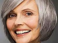 54 Best Women's Hairstyles for over 40 and Overweight Short-Bob-Hairstyle-for-over-40-and-Overweight-Women-6-200x150