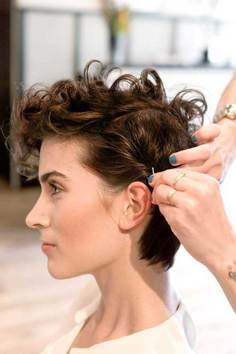 Short Curly With Deep Side Part Easiest Short Curly Hairstyles Ideas 1 Short-Curly-With-Deep-Side-Part-Easiest-Short-Curly-Hairstyles-Ideas-1