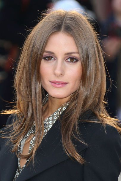 54 Best Women's Hairstyles for over 40 and Overweight Straight-Flowing-Hairstyle-1