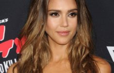 54 Best Women's Hairstyles for over 40 and Overweight Straight-Flowing-Hairstyle-2-235x150