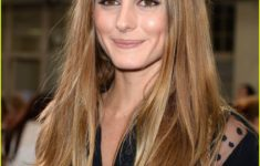 54 Best Women's Hairstyles for over 40 and Overweight Straight-Flowing-Hairstyle-4-235x150