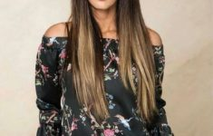 54 Best Women's Hairstyles for over 40 and Overweight Straight-Flowing-Hairstyle-6-235x150